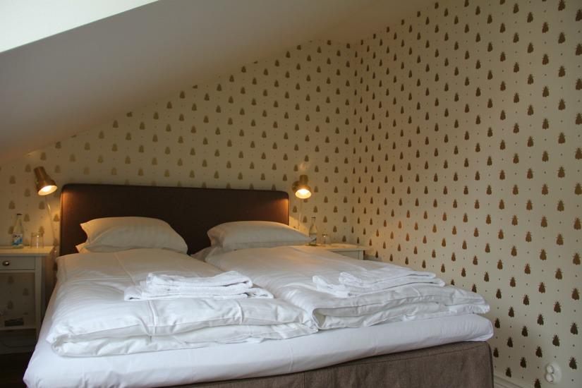 Sovrum med dubbelsäng